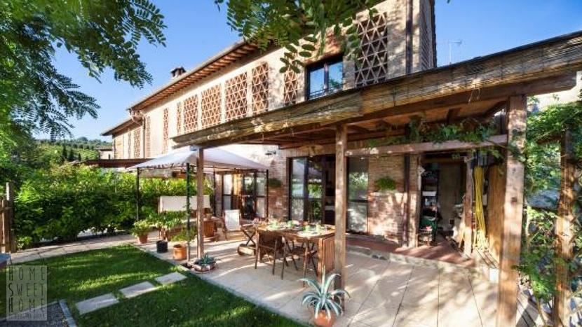 APPARTAMENTO IN BORGO – San Gimignano